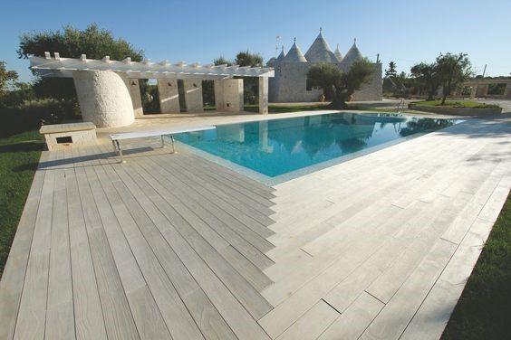 terrasse-lames-de-bois-plage-piscine.jpg