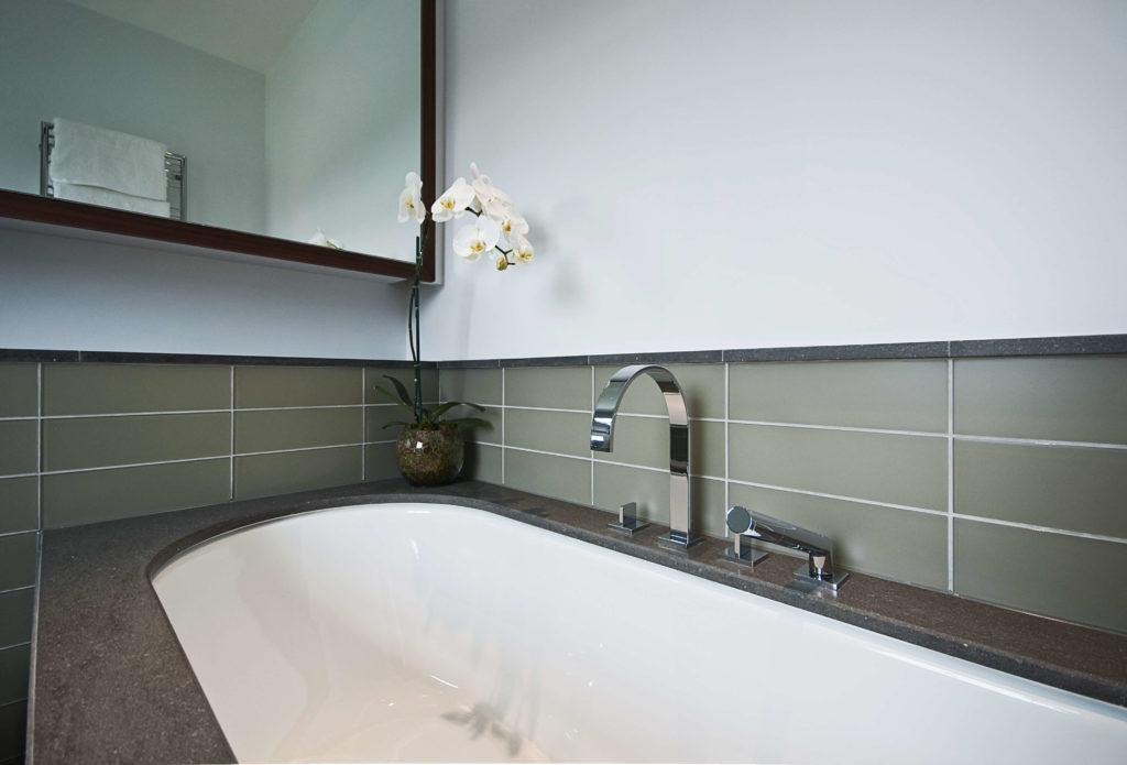 Comment nettoyer ses joints de salle de bain l 39 atelier - Comment nettoyer les joints de faience de salle de bain ...