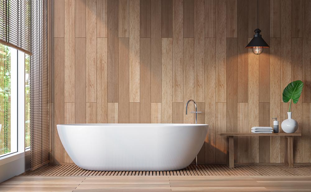 Salle de bain avec mur et sol en revêtement en bois